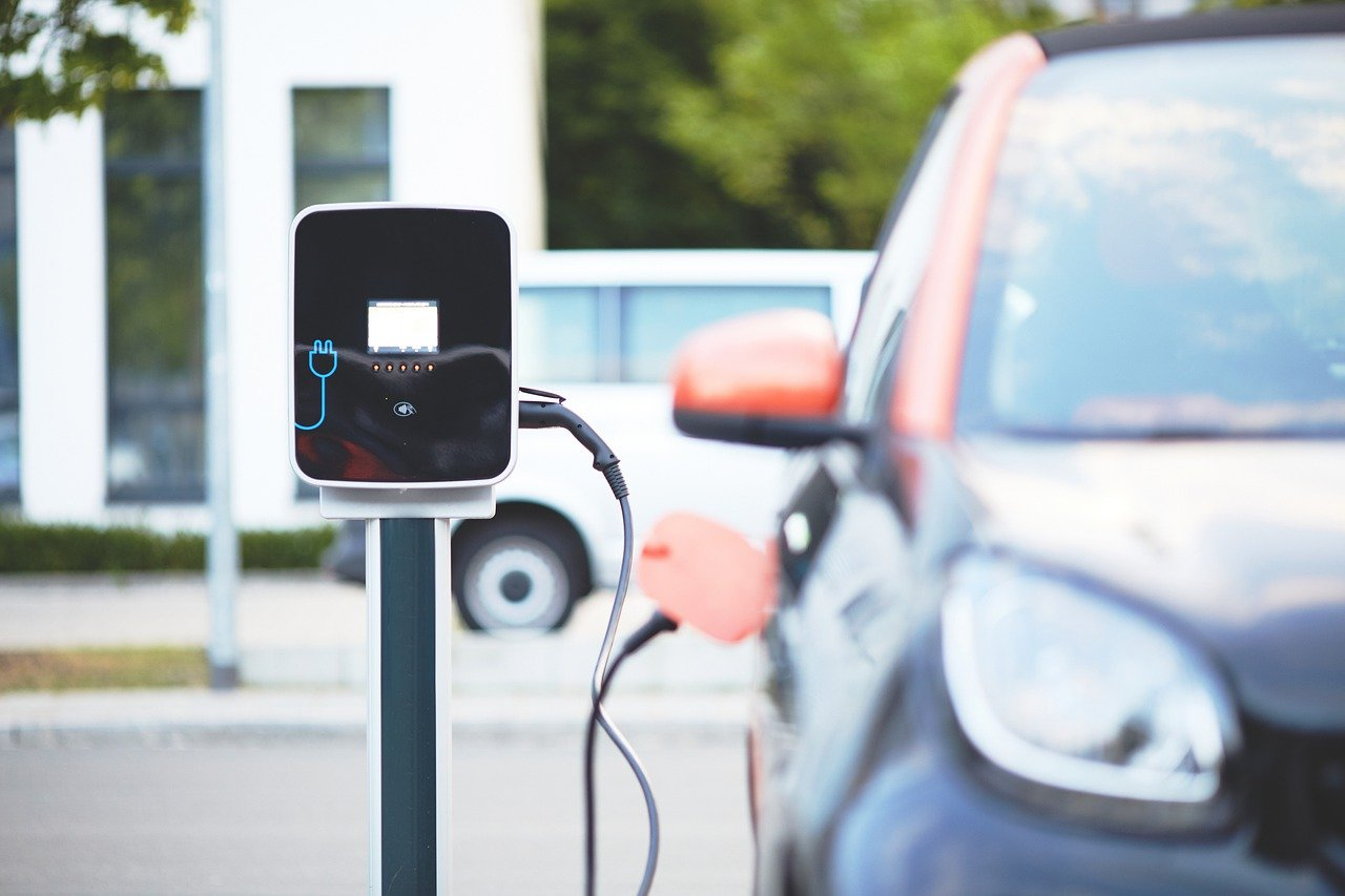 Beispielbild für eine Ladestation für Elektroautos.
