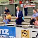 Landtagskandidat Michael Sprink bei der Verkündigung des Wahlergebnisses